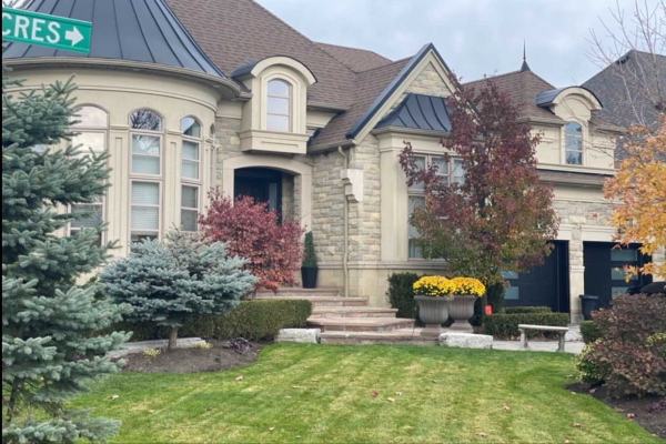 2 Sarracini Cres, Vaughan