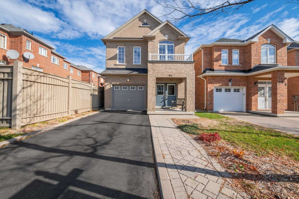 92 White Beach Cres, Vaughan