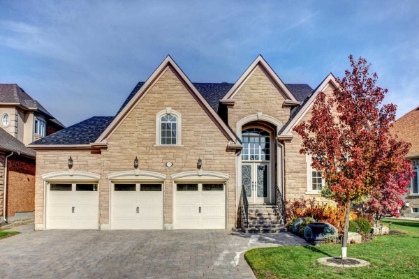 126 Cooks Mill Cres, Vaughan