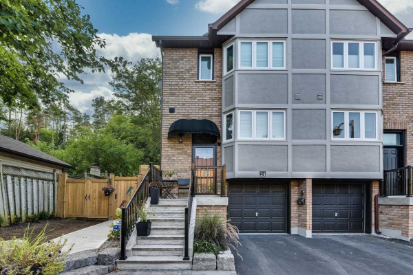 24 William Farr Lane, Vaughan