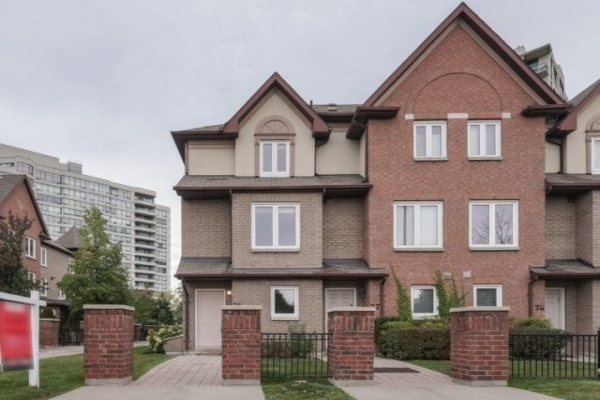 735 New Westminster Dr, Vaughan