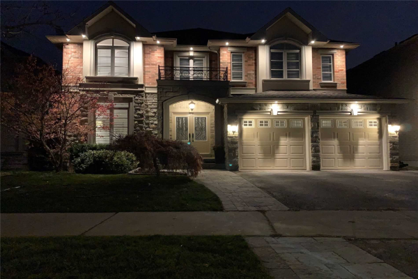 303 Iredale Rd, Richmond Hill