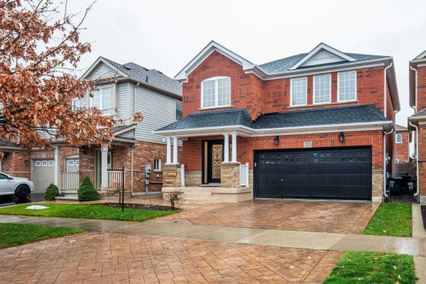 223 Reeves Way Blvd, Whitchurch-Stouffville