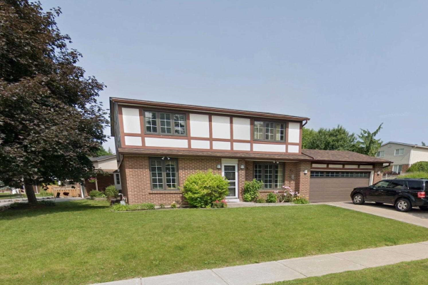 245 William Roe Dr, Newmarket