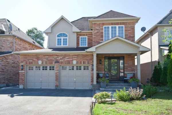 125 Timber Valley Ave, Richmond Hill