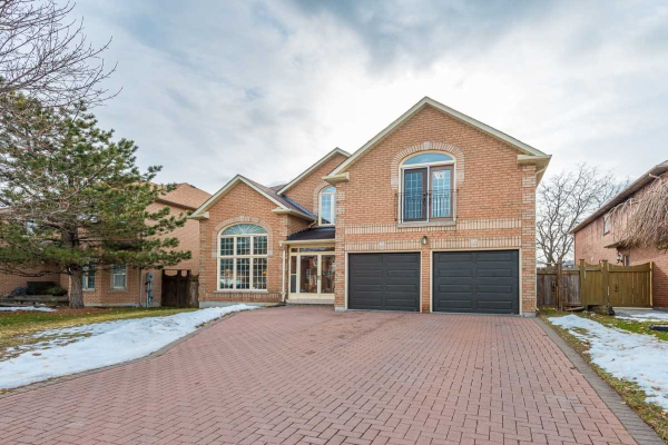 21 Kingmount Cres, Richmond Hill