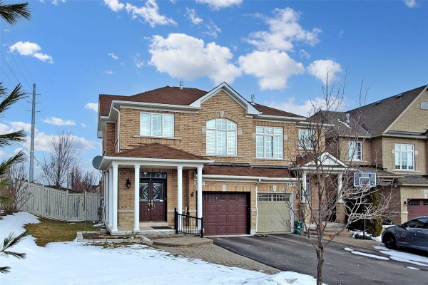 2 Maroon Dr, Richmond Hill