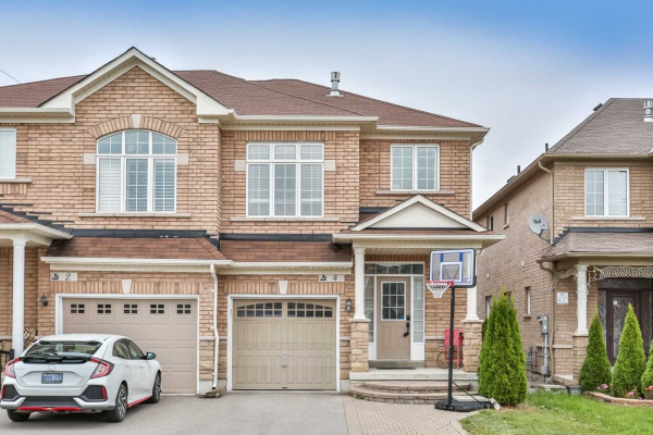 4 Maroon Dr, Richmond Hill