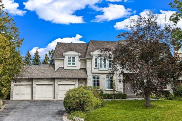 218 Arnold Ave, Vaughan