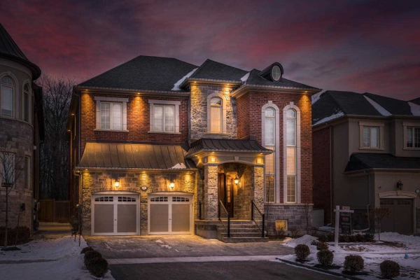 9 Finland Dr, Vaughan
