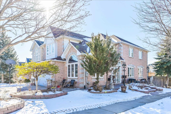 154 Canterfield Clse, Markham