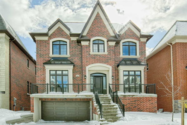 61 Headwater Cres, Richmond Hill