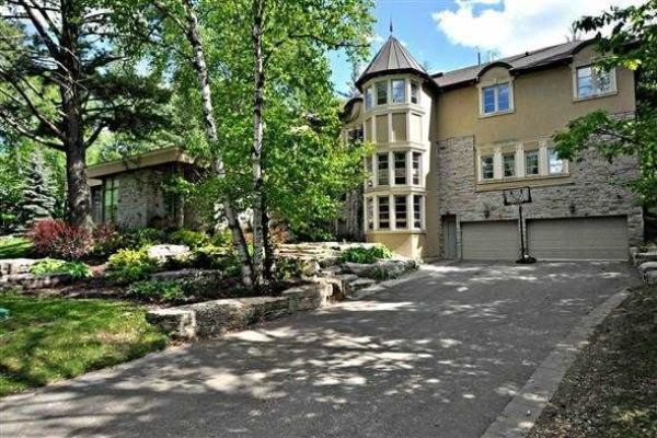 300 Woodland Acres Cres, Vaughan