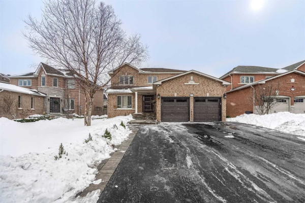 124 Pine Hollow Cres, Vaughan