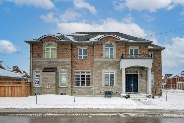 224 Paradelle Dr, Richmond Hill