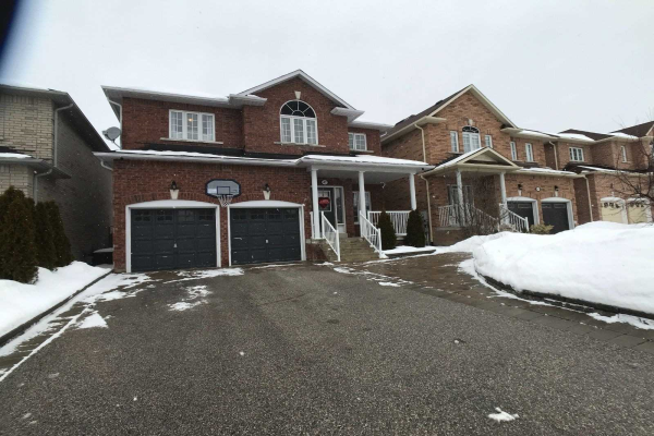 42 Woodbury Cres, Newmarket