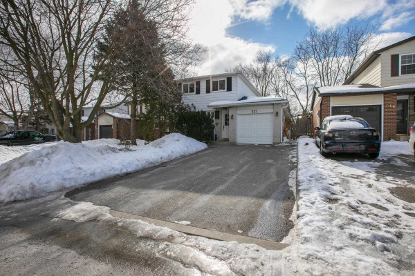 221 Thoms Cres, Newmarket