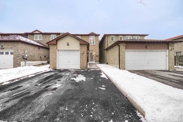 131 Mabley Cres, Vaughan