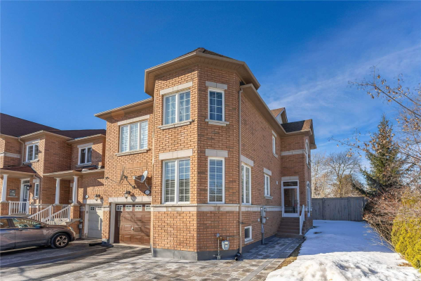 8 Townwood Dr, Richmond Hill