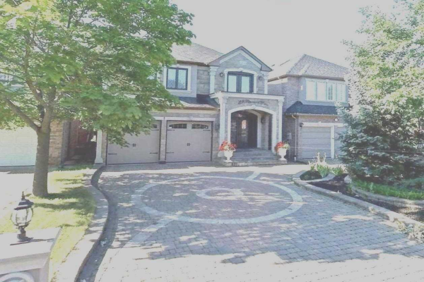29 Pinewood Dr, Vaughan