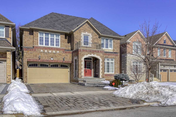 10 Duke Of Cornwall Dr, Markham