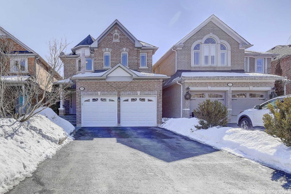 75 Snowy Meadow Ave, Richmond Hill