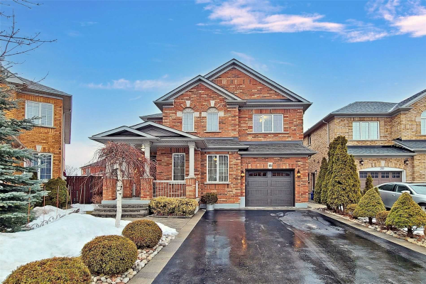 18 Honeyview St, Vaughan