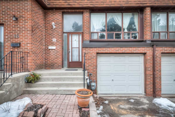 18 Stately Way, Markham