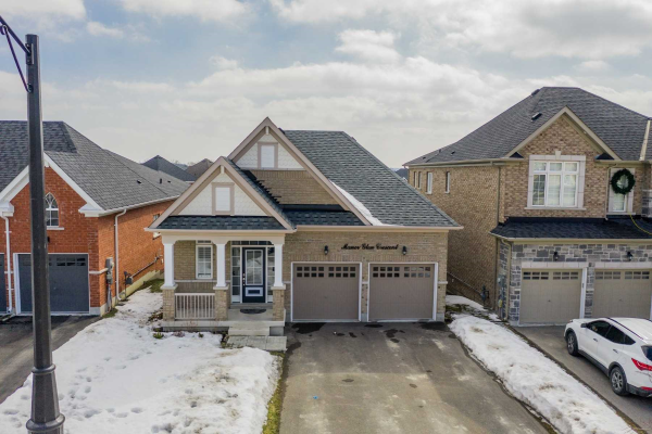 39 Manor Glen Cres, East Gwillimbury