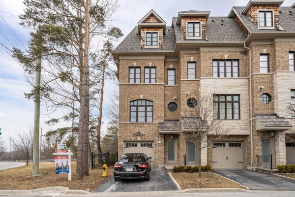 129 Powseland Cres, Vaughan