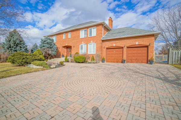 81 Conti Cres, Vaughan