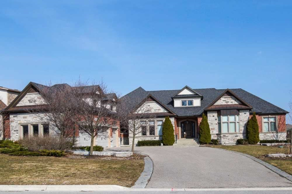 7 Macleod Estate Crt, Richmond Hill