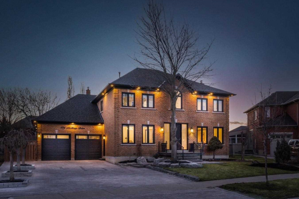 126 Mellings Dr, Vaughan