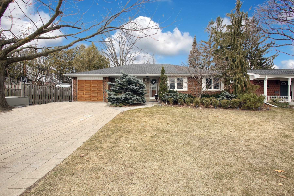 15 Lincoln Green Dr, Markham