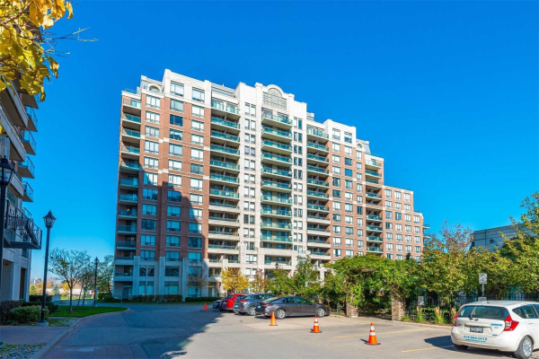 350 Red Maple Rd, Richmond Hill