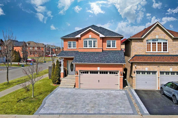48 Crescendo Ave, Richmond Hill
