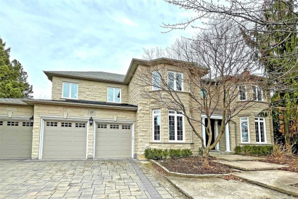 25 Vesta Dr, Richmond Hill