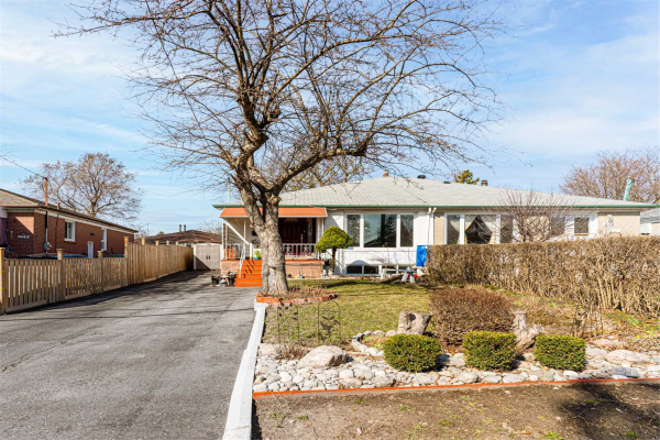 232 Neal Dr, Richmond Hill