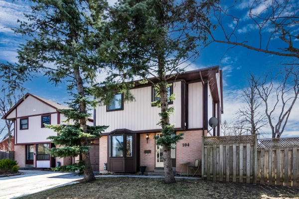 104 Mayvern Cres, Richmond Hill