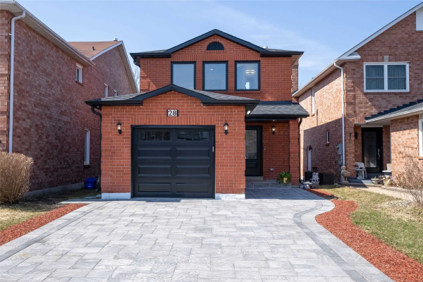 28 Cougar Crt, Richmond Hill