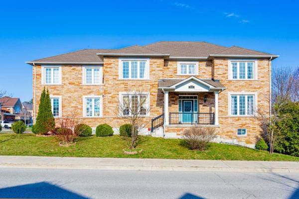 115 Timber Valley Ave, Richmond Hill