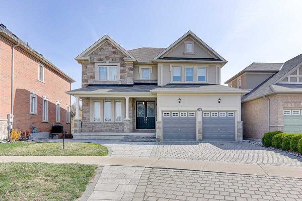 31 Farmhouse Cres, Richmond Hill
