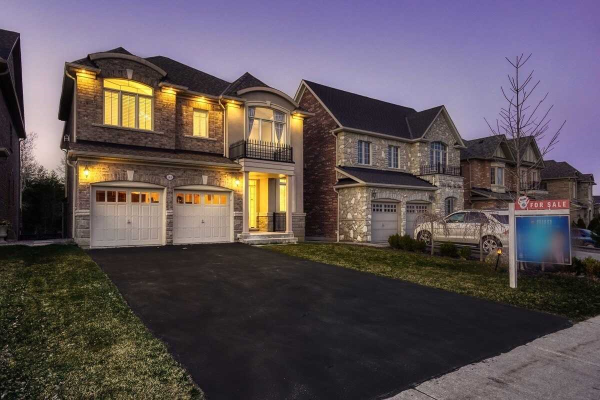 568 Valley Vista Dr N, Vaughan