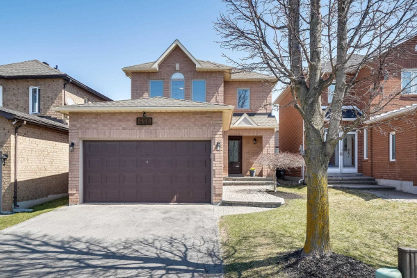 650 College Manor Dr, Newmarket