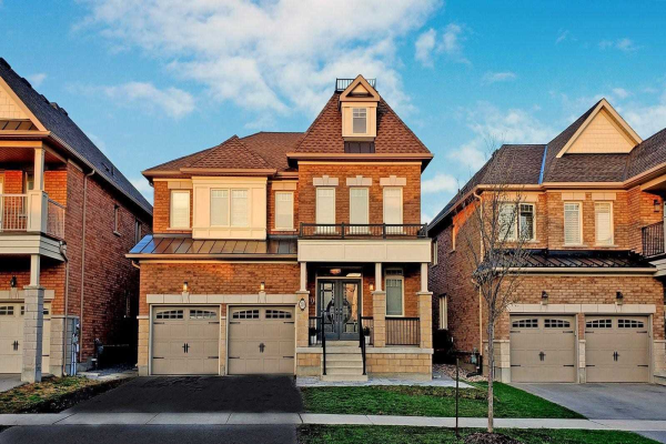 239 West Lawn Cres, Whitchurch-Stouffville