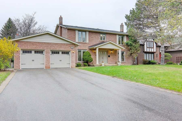 122 Cambridge Cres, Richmond Hill