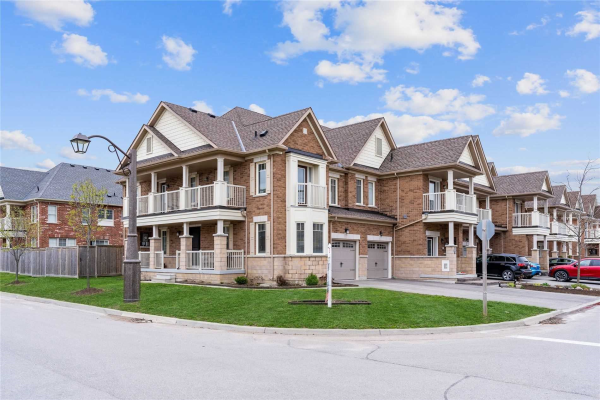 74 Andrew Green Cres, Whitchurch-Stouffville