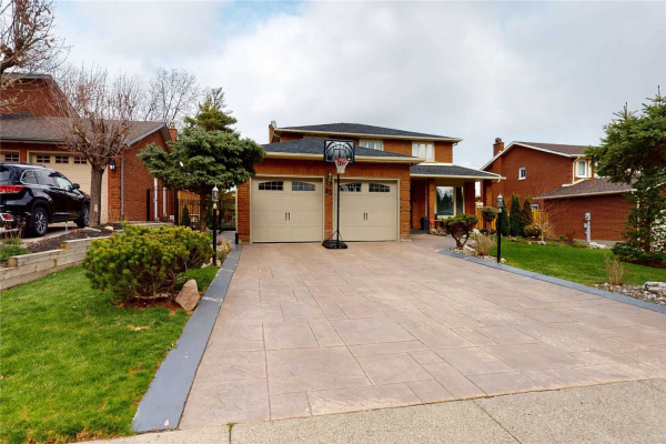 63 Yellow Pine Cres, Vaughan