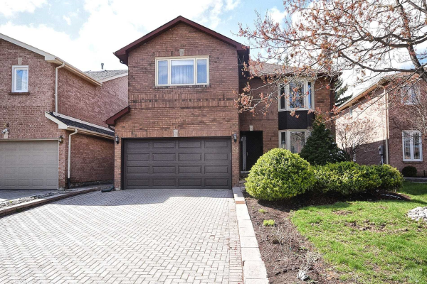 22 Peterborough Ave, Markham