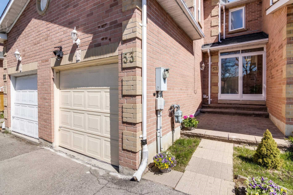 53 Steepleview Cres, Richmond Hill